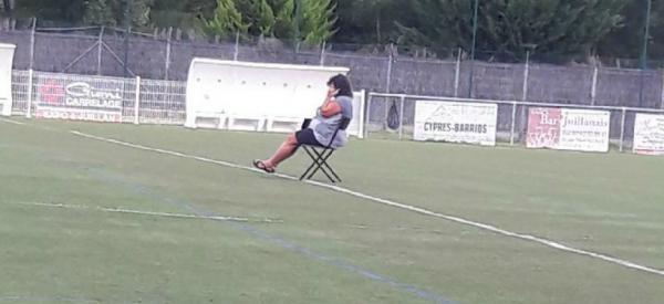 Futbola__Esnea_eta_Alkool_lurperatua