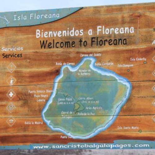 Galapagoako%20Floreana%20uhartea%20barkoxtarrena%20ote%20da?
